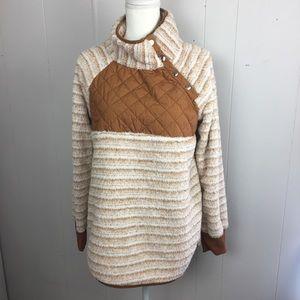 Woman's Asymmetrical snap collar fleece brown